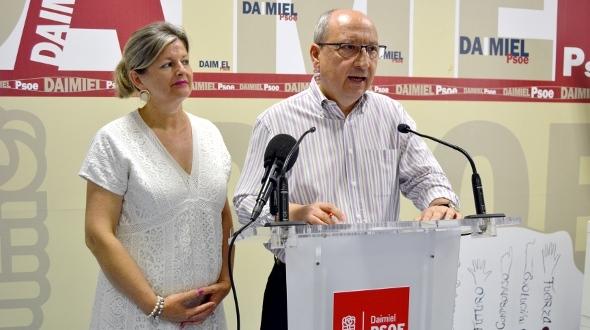"""El PSOE considera que diez horas son """"insuficientes para el desempeño de la alcaldía"""""""