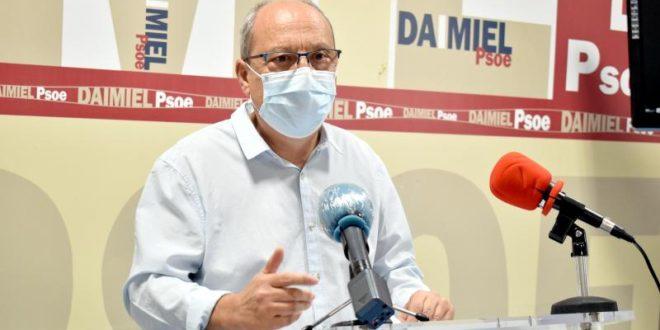 El PSOE insta al Ayuntamiento a reconocer la ayuda de Junta y Diputación en materia de empleo